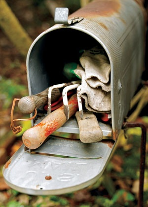 ARTICLE:   Mailbox Remakes Make Functional Decor   ,  Plus 9 More Outdoor Summer Design Projects!