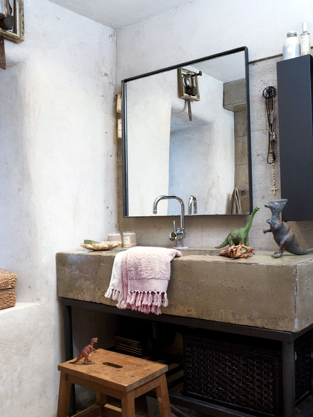 ARTICLE + GALLERY: Things We Love: Concrete Sinks