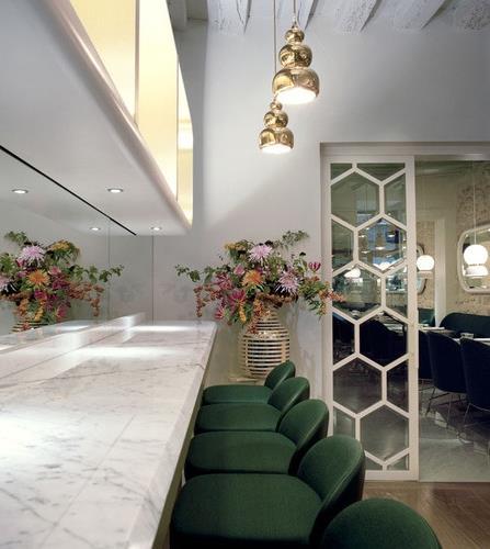 Restaurant: Le Sergent Recruteur, Designer:  Hayon Studio