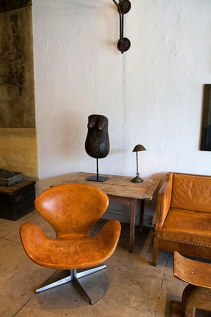ARTICLE + GALLERY: Loving Some Vintage Leather Upholstery