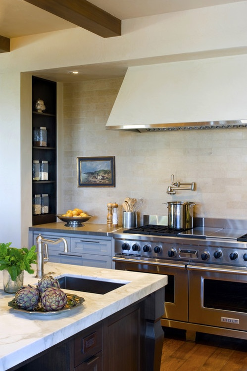Builder:  Upscale Construction, Image via: houzz