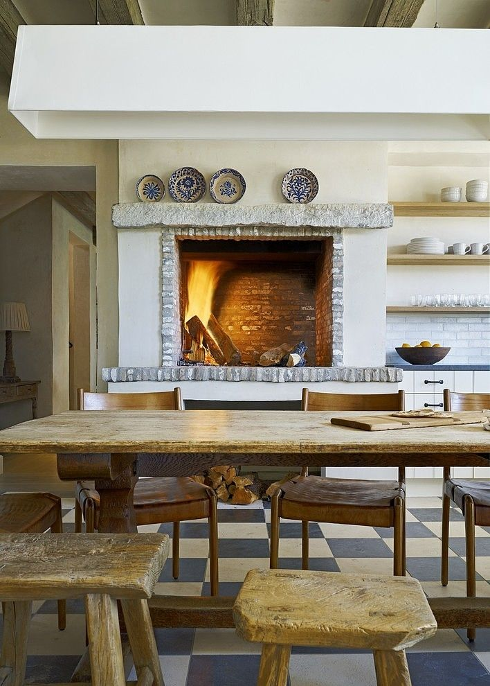 Fireplaces in the kitchen | Designer:  David Michael Miller Associates