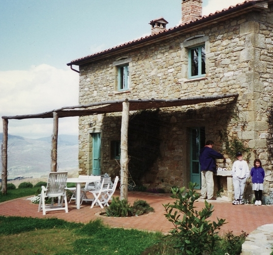 Italy farmhouse.jpg