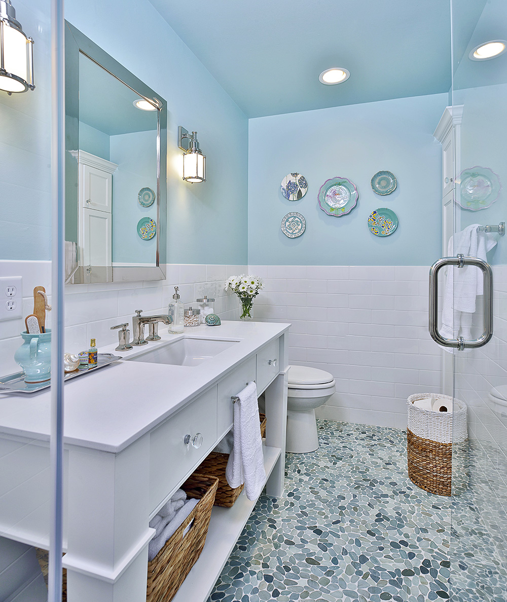 Turquoise Blue White Beach Theme Kitchen: Before & After: This Upstairs Bathroom Gets A Fresh Update
