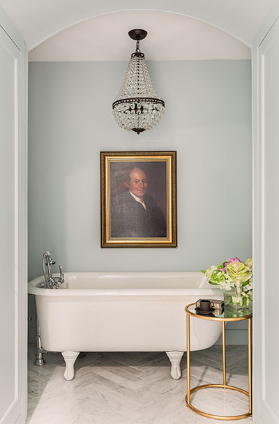 Old painted portraits will add depth and character to any room in your house. They add a sense of history and nostalgia. They add a richness and an extra layer to a room, no matter what the size. | Interior designer: Stephanie Sabbe