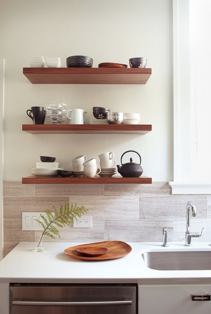 Best Interior Design Links of the Week ➤ FLOATING SHELVES: SEE HOW EASILY THEY CREATE OPEN, AIRY INTERIORS... | Floating shelves will make your wall feel more open and less in-your-face, so your eyes can more easily be drawn upwards towards the best attribute of the room: the high ceilings.  | Interior Design -er: Michelle Drewes