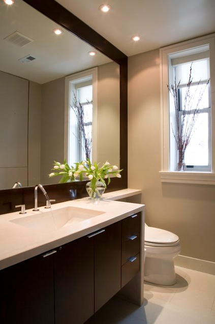 A toilet can help a small bathroom appear bigger yep for Bathroom design help