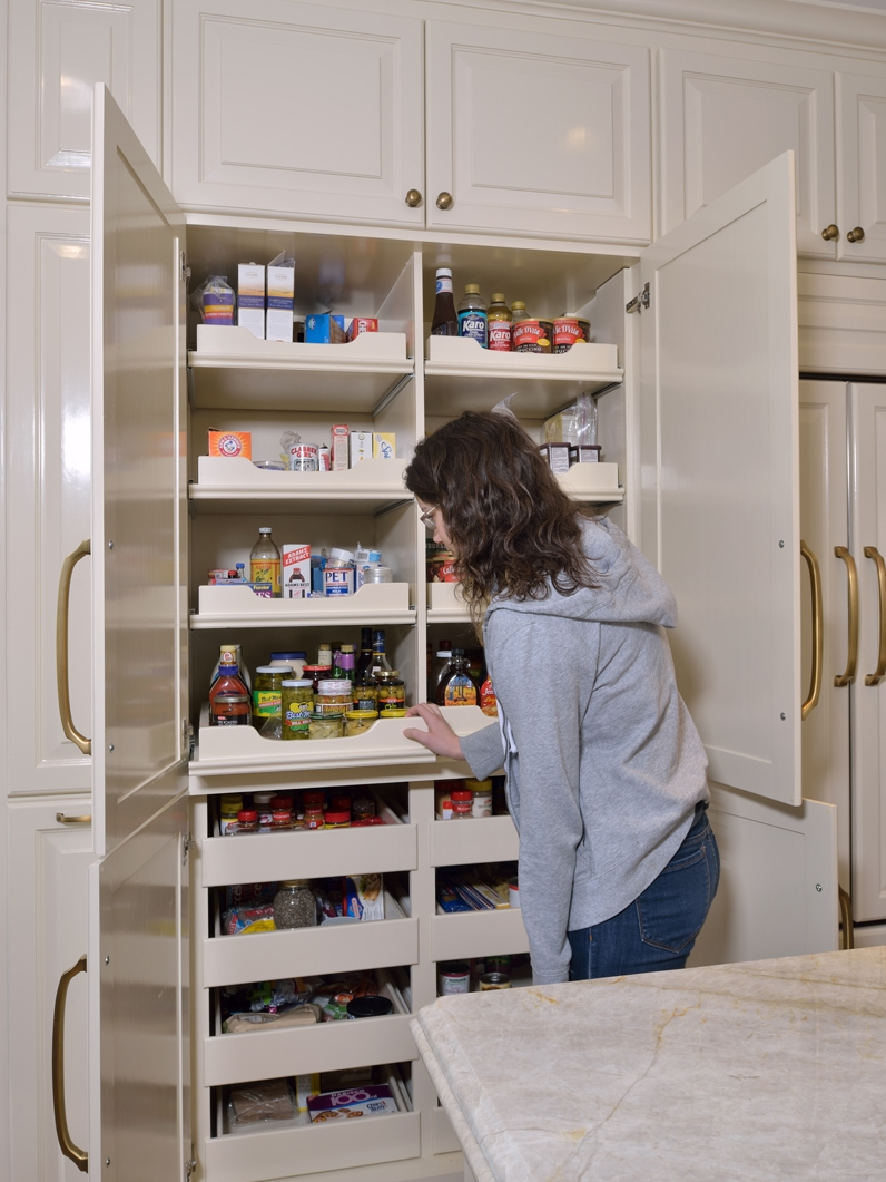 love these great examples of kitchens featuring a pantry in the cabinets - Kitchen Pantries