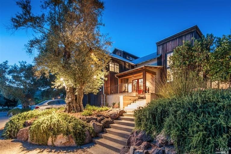 "#DESIGNREFRESH - The Best Interior Design Links of the Week ➤ LUXURY BARN IN CALIFORNIA WINE COUNTRY ASKS $5.2M | ""Built on the site of Sonoma's old Lawrence Hot Spring Spa, this modern take on the humble barn...is well positioned to be featured on an episode of the nonexistent but kinda necessary television show 'Lifestyles of the Insufferable.'"" 