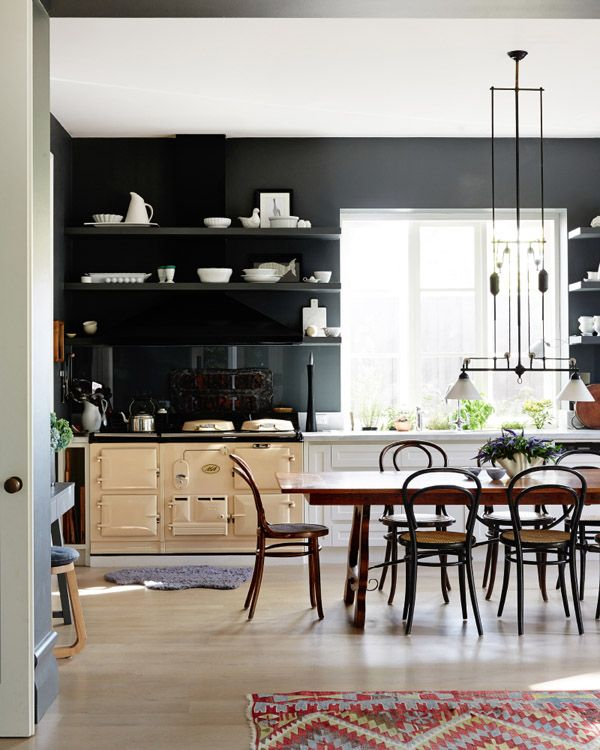 In an enclosed kitchen — a kitchen that's a separate room in the house — a center table is the best alternative to an island. | Designer: Fiona Richardson