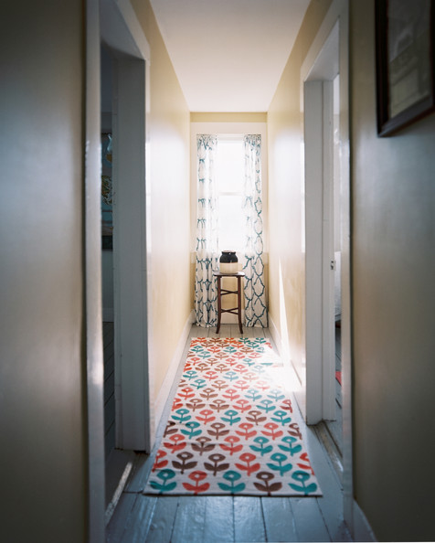 Thin Foyer Rug : Diy cures for the claustrophobia caused by long narrow