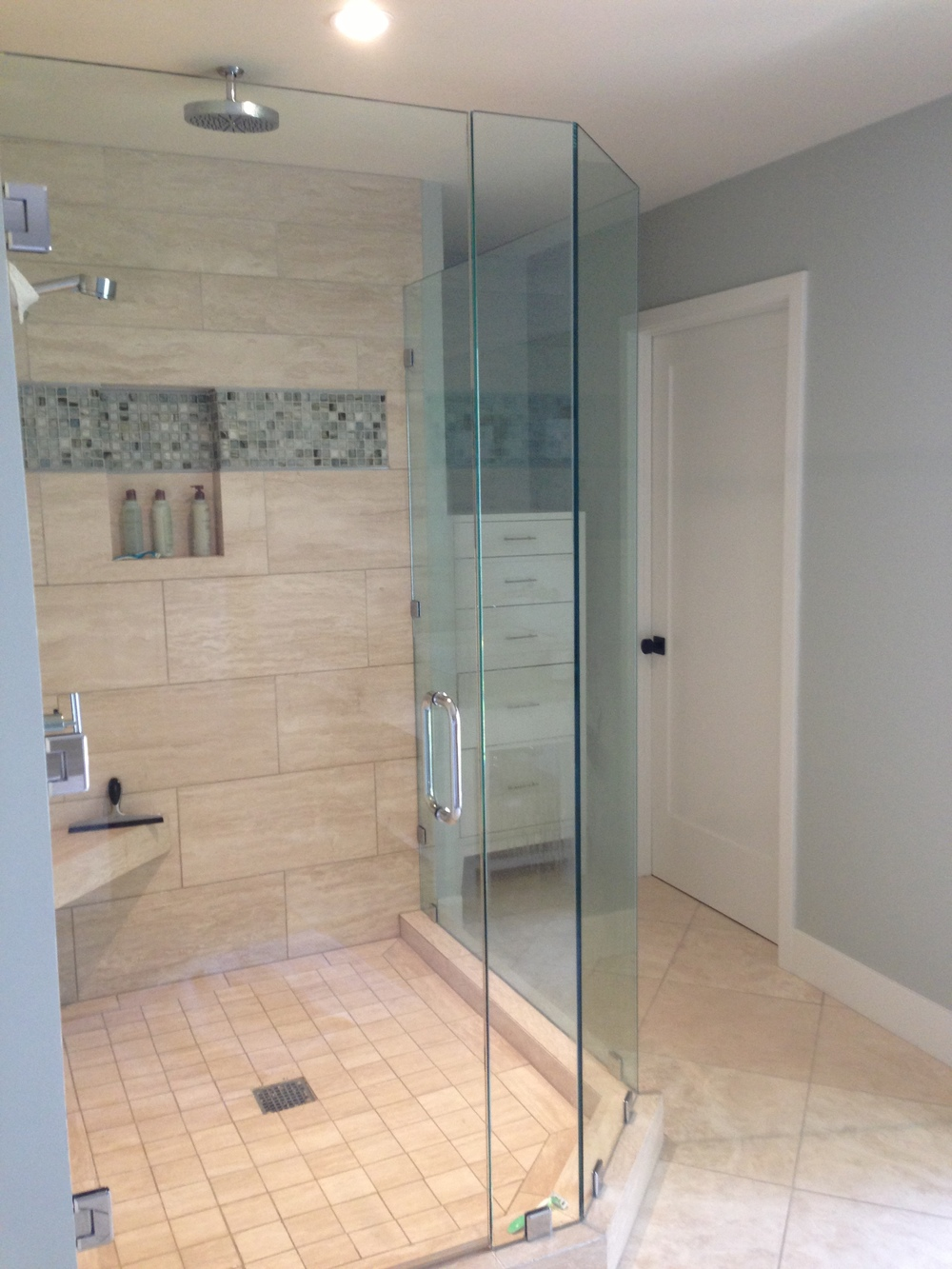 Master shower Lunada Bay Sumi-E glass tile Walker Zanger - Ventura California rental house review tour