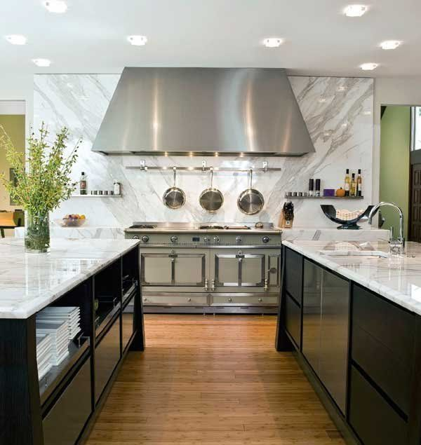 Kitchen w/a matching countertop & backsplash | Designer:  The Granite Shop
