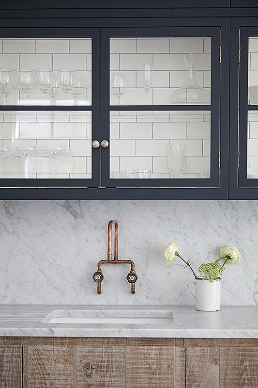 MUST-KNOW: 5 Scenarios Where A Matching Countertop & Backsplash Makes Spectacular Sense    ➤  http://carlaaston.com/designed/matching-slab-countertop-backsplash-material  |  When your countertop material is the prize, the showstopper, the focal point, the piece de resistance, you should... |   #DESIGNREFRESH:The Best Interior Design Links of the Week! | DESIGNER: Jamie Blake