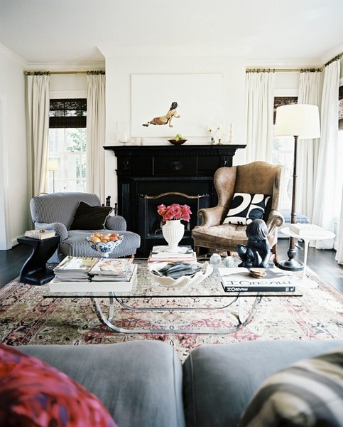 oriental rug, living room | Source: Lonny.com
