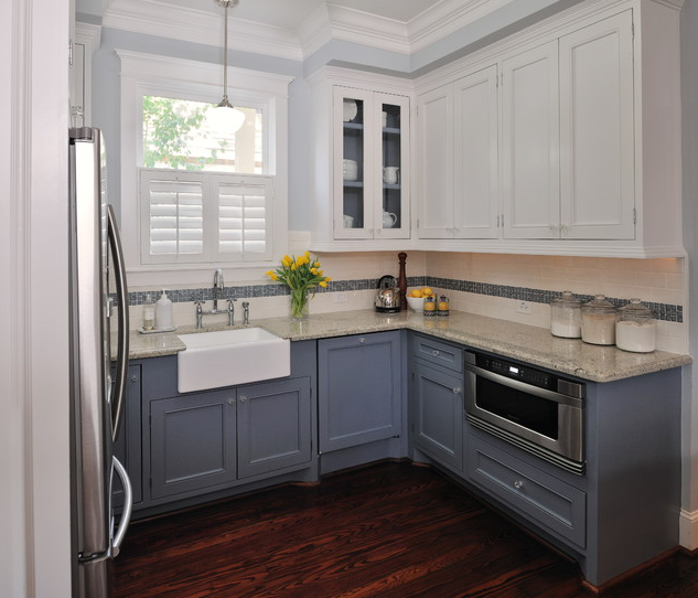 Kitchen; tall ceiling; blend backsplash with upper cabinet; paint | Designer: Carla Aston