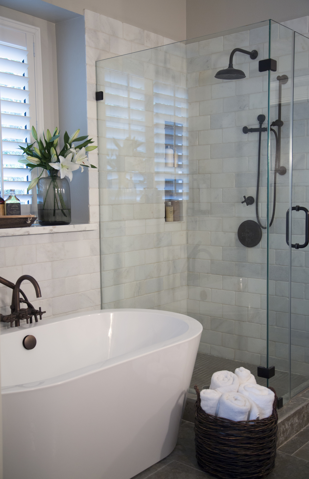 "MUST-SEE: BEFORE & AFTER: A CONFINED BATHROOM IS UPLIFTED WITH BOUNTIFUL SPACE! ➤ http://carlaaston.com/designed/before-after-confined-bathroom-uplifted-bountiful-space | ""Overall, this bathroom was dated, had a few leaks, and felt tight and confined. But after the remodel was complete..."" 