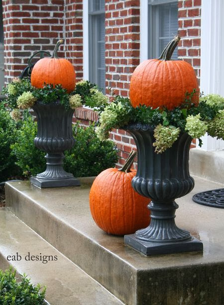 "MUST-KNOW: DECORATING WITH URNS FOR AUTUMN AND THANKSGIVING  ➤ http://nyclq-focalpoint.blogspot.com/2013/11/decorating-with-urns-for-autumn.html  | ""My Facebook friend Lynda Quintero Davids always has lots of ideas for seasonal decorating."" 