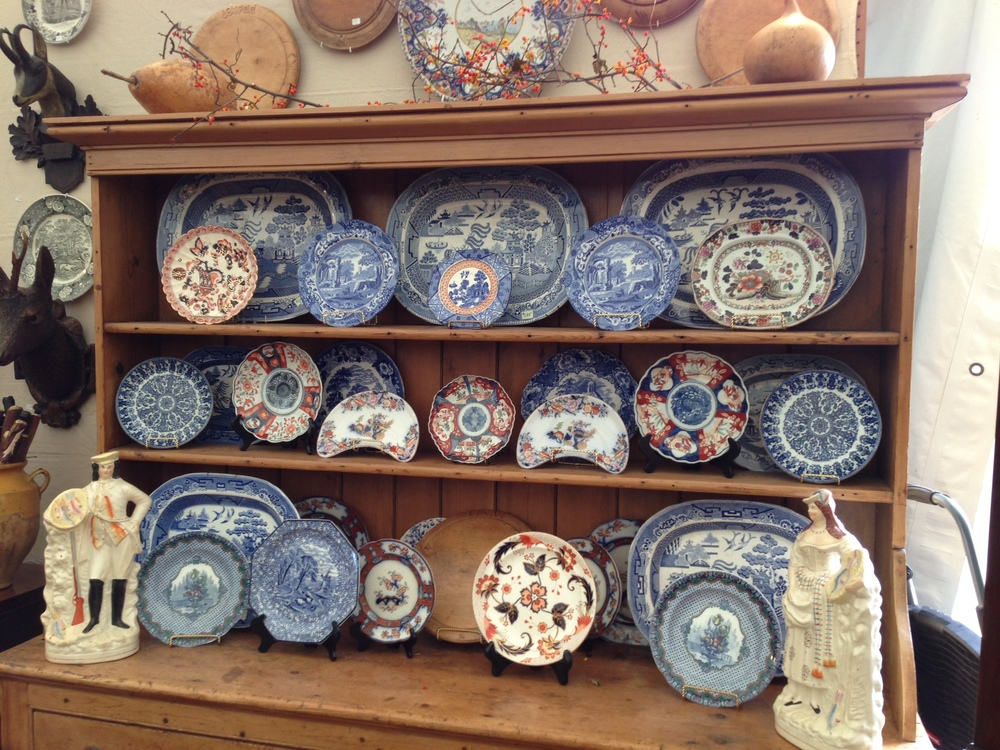 Antique furniture, decor; Blue and White plates