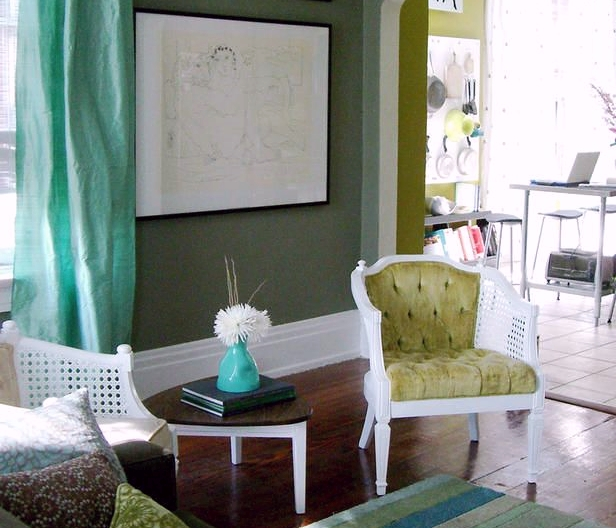 green, yellow sitting room; shades of one color | Interior design -er: Merskine