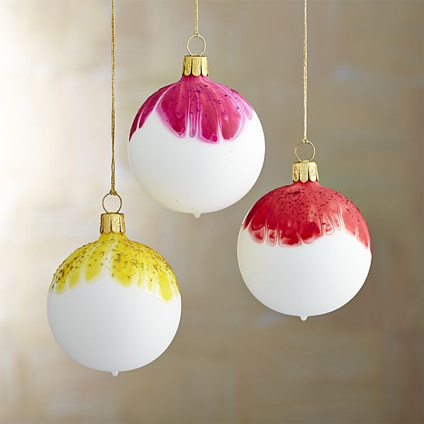 Matte Tie Dye Ball Ornaments for your boho / bohemian Christmas tree! | Via ShopTen25.com