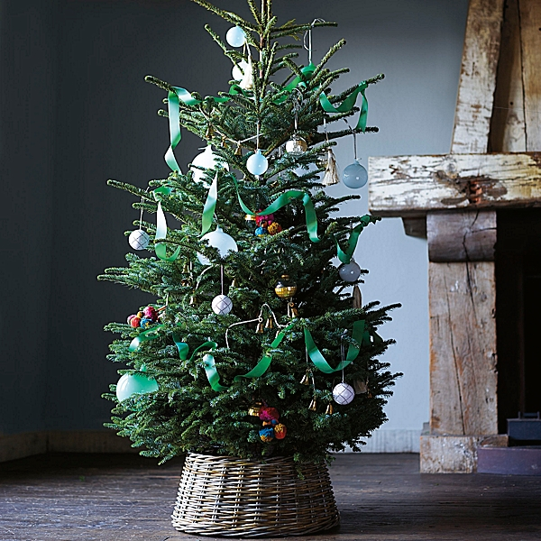 The best most beautiful christmas tree base is