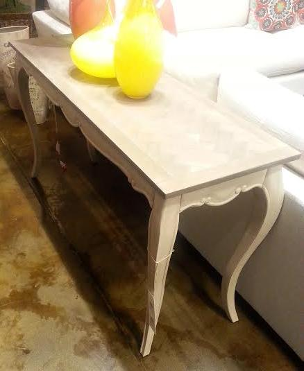 living room sofa table