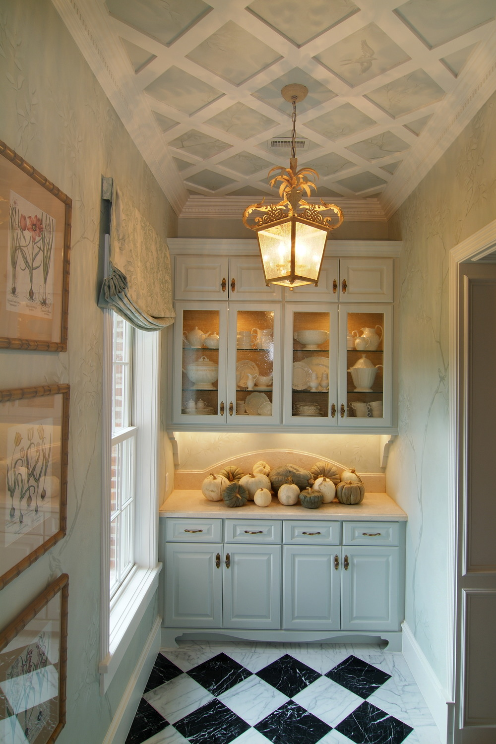 Butler's pantry with garden room style, Designer: Carla Aston