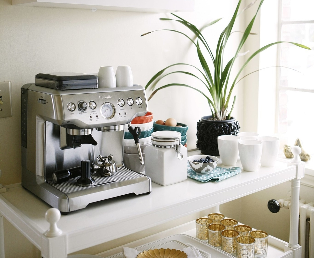 In-home/house coffee maker / bar / station | Interior design -er: Cassandra Lavelle