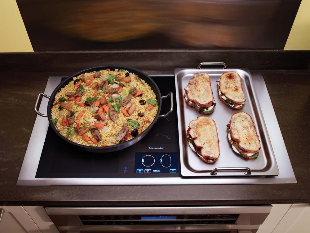 Best of #KBIS2015: Thermador's Freedom Induction Cooktop / cooking appliance | Carla Aston reporting from Modenus' #BlogTourVegas | Image via: Thermador.com