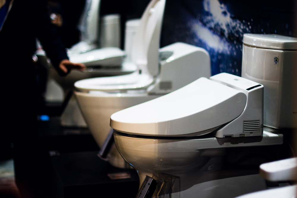 Best of #KBIS2015: MUST-HAVE: Toto's sleek, environmentally-friendly toilets. / bathroom; penthouse | Carla Aston reporting from Modenus' #BlogTourVegas | Image via: ChasenWest.com
