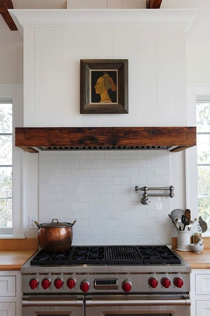 Image via: Remodelista, Source:  Sullivan Building & Design Group  / kitchen, range