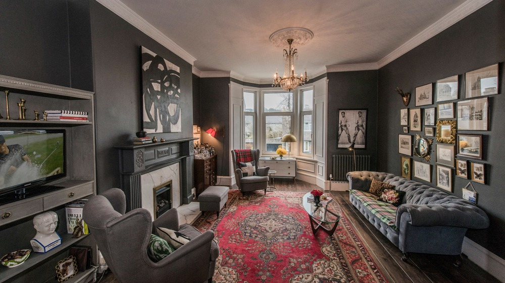 GALLERY :  A 100-Year Old Scottish Flat Receives An Edgy Remodel!