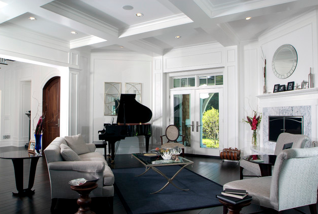 Living room ceiling treatment; piano; chair; couch; coffee table | Architect: Visbeen Architects
