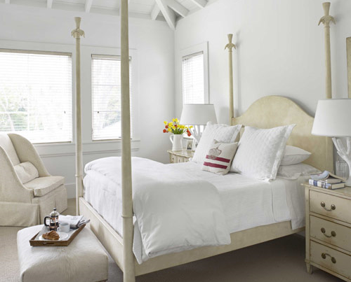 MUST-READ: Cream & White — Will This Color Combination Ever Be Able To Coexist? > http://carlaaston.com/designed/cream-white-will-this-color-combination-ever-be-able-to-coexist — Can it — can the color cream go with the color white?  | Interior Designer: Myra Hoefer