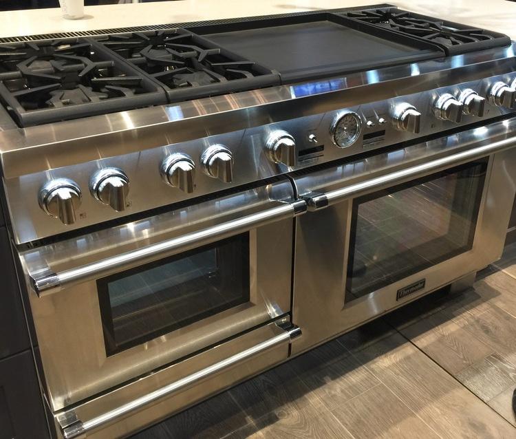 MUST-HAVE: This Kitchen Designed By Thermador! > http://carlaaston.com/designed/must-have-this-kitchen-designed-by-thermador— Thermador's 100th anniversary was commemorated with some great new customization capabilities at KBIS2016!