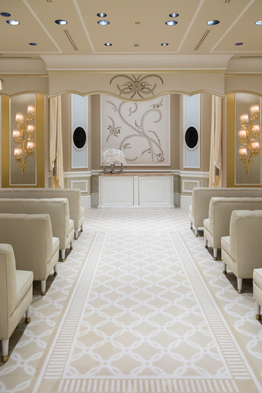 Wynn Hotel's wedding venue, wedding chapel, custom carpet | Photographer: Tori Aston