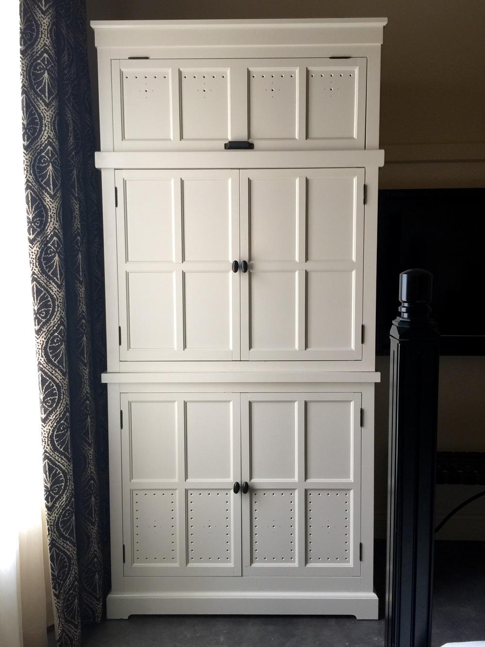 Cabinet, room details - Hotel Emma