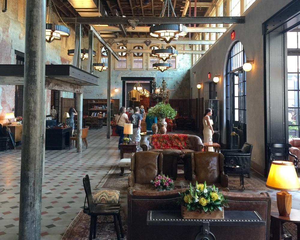 Overall Lobby - Hotel Emma