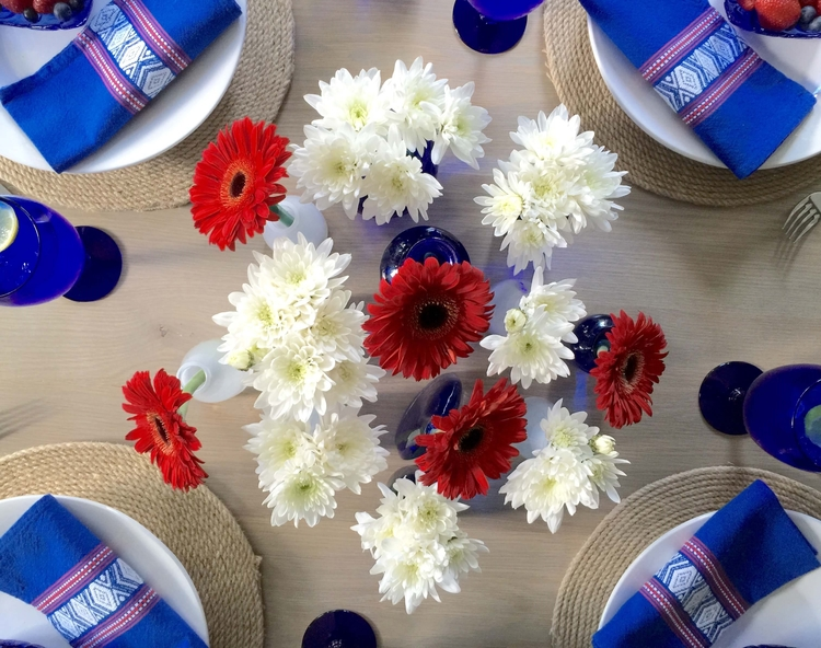 July+4th+centerpiece,+red,+white+and+blue+tabletop.jpg