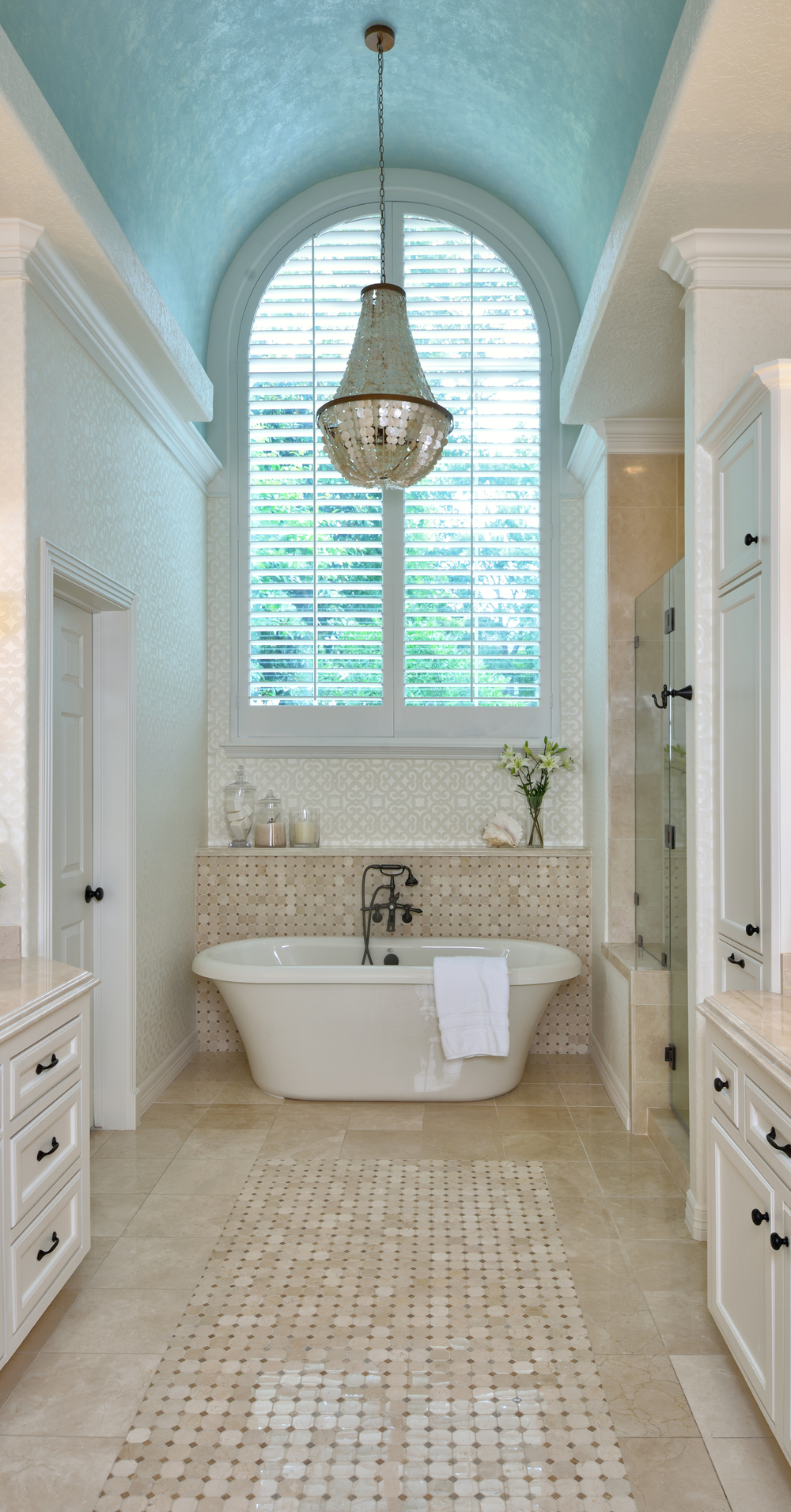 Top Bathroom Design Trends Guaranteed To Freshen Up Your Home - Texas bathroom decor for small bathroom ideas