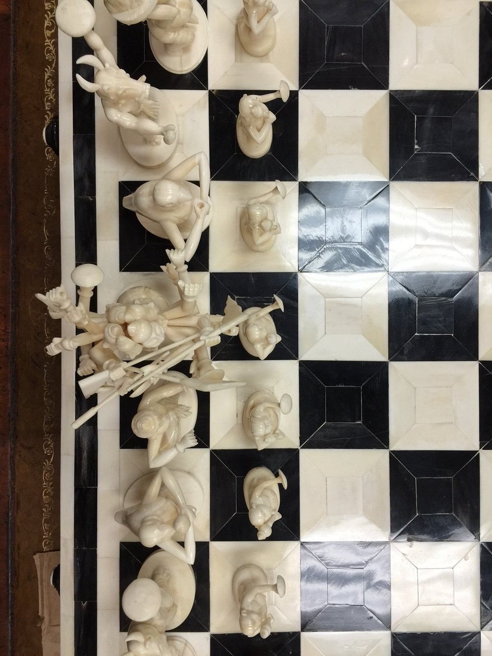 Chess set available at Simpson's Gallery's upcoming auction!