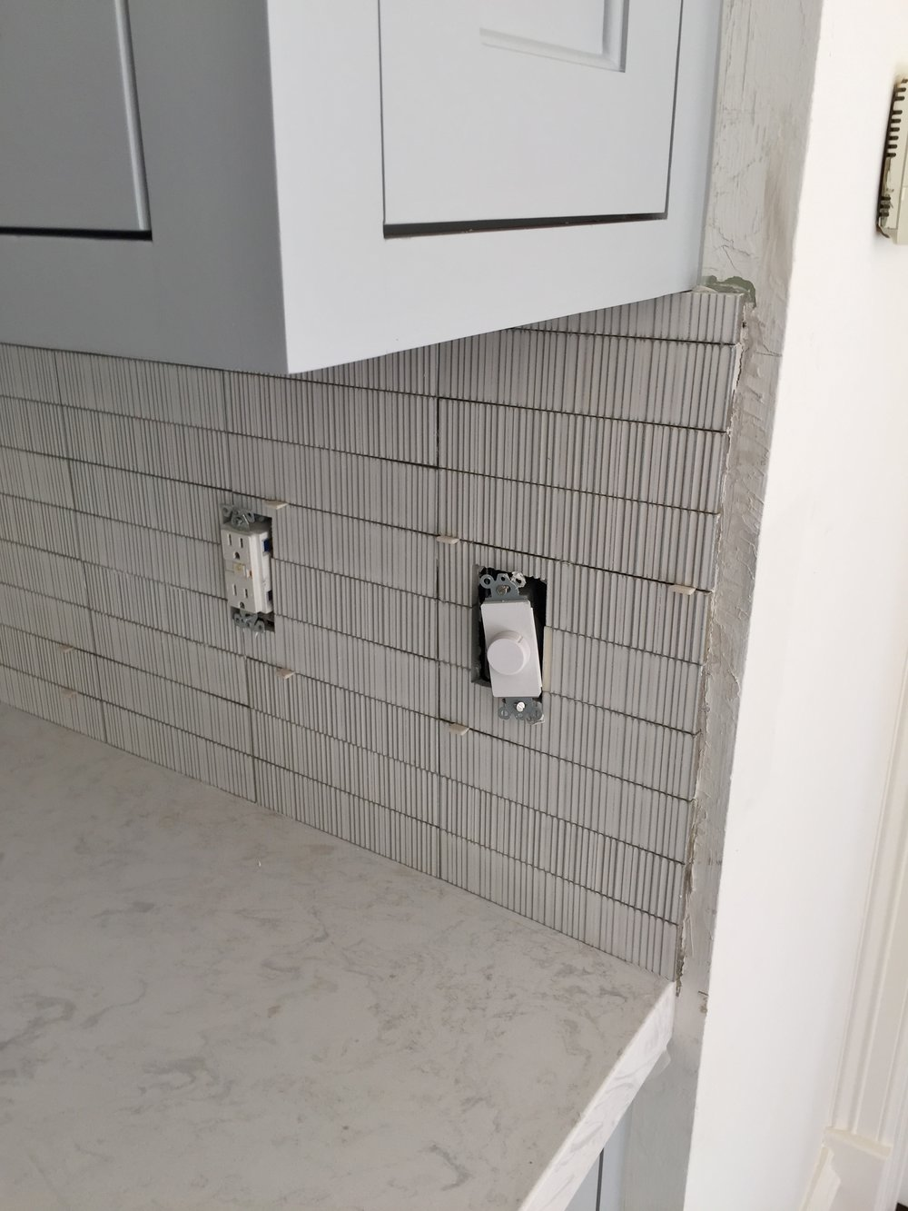 Backsplash Tile installation (incorrect)