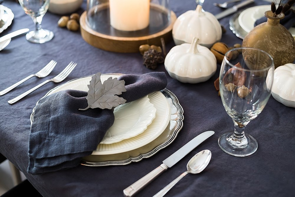 A Simple, Rustic Fall Tabletop For Easy Entertaining - Tori Aston, Photographer