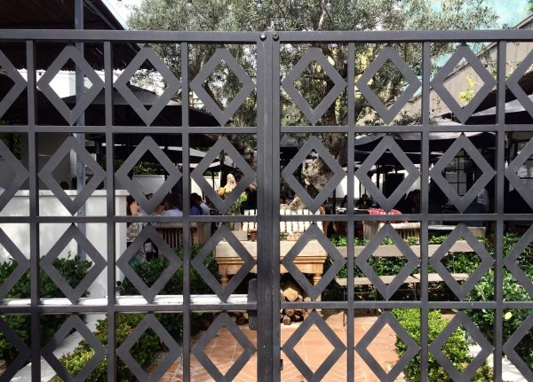 Geometric_Iron_Gates__1489156720_98735.jpg