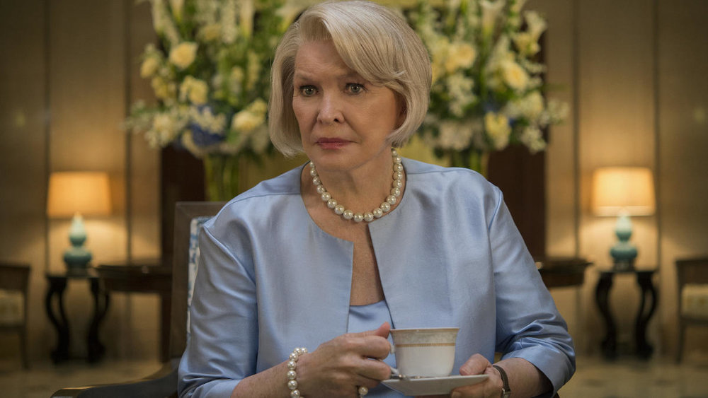 Season 4 House of Cards - Claire's mother's home also had plenty of lit table lamps, Image via: Baltimore Sun
