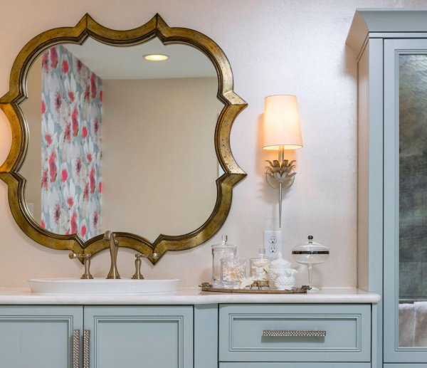 DESIGNER SPOTLIGHT - Cheryl Kees Clendenon #bathroomdesign #luxurybathroom #masterbath