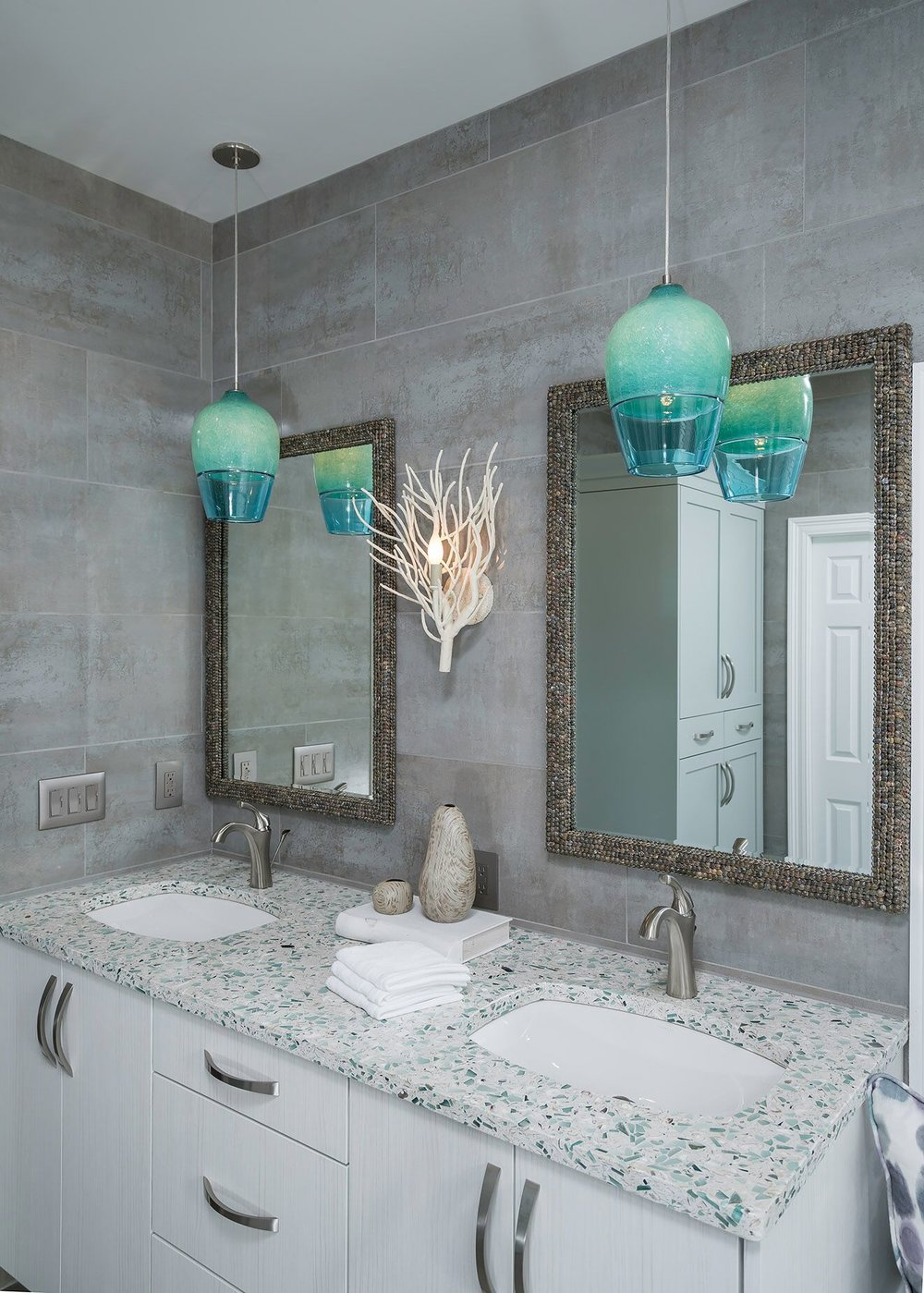 DESIGNER SPOTLIGHT - Cheryl Kees Clendenon #bathroomdesign #masterbath #coastalbathroom #vetrazzo