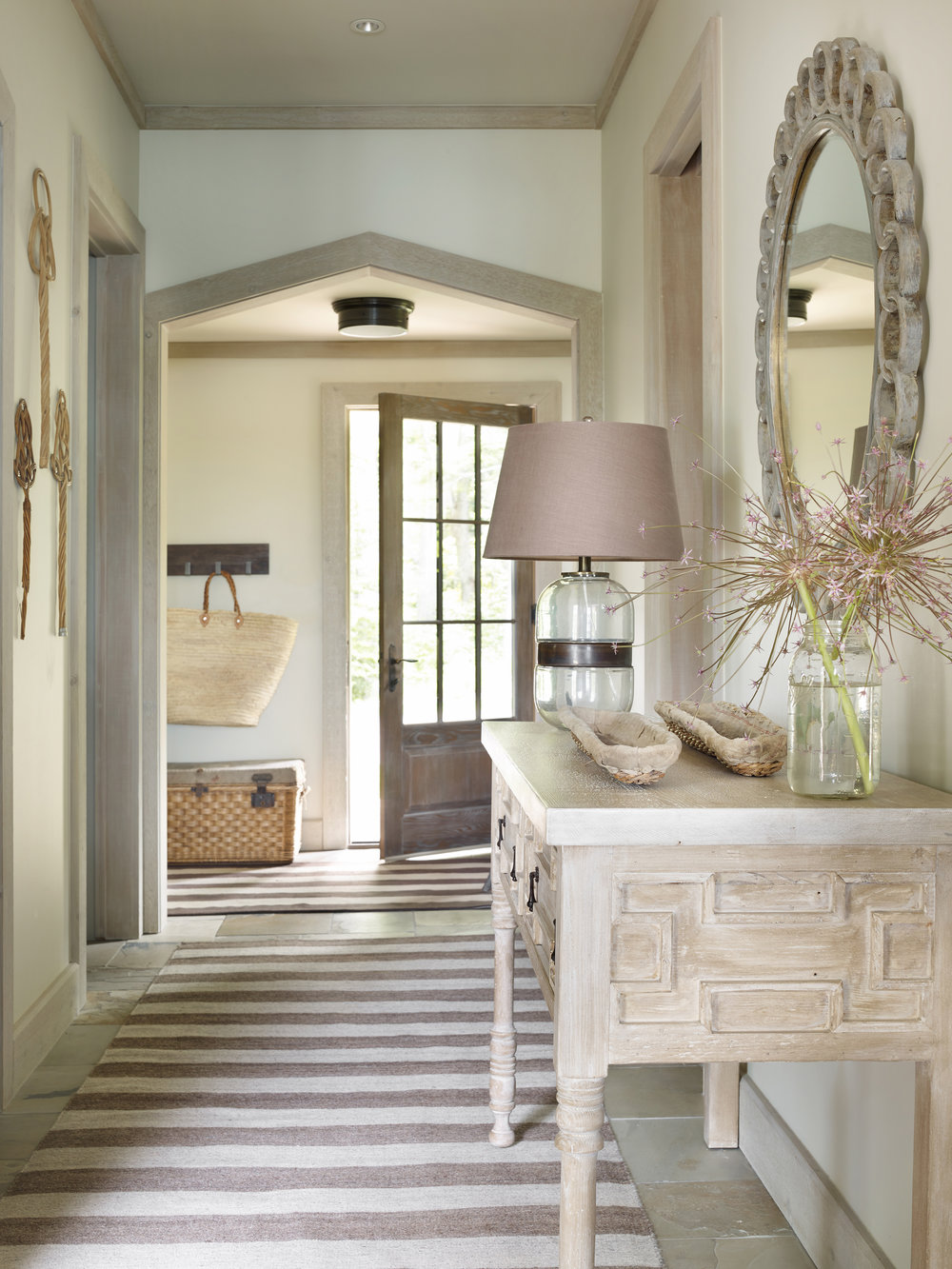 Interior Designer Beth Webb - Book Review |#foyer #entryhall #bethwebb #interiordesignbooks