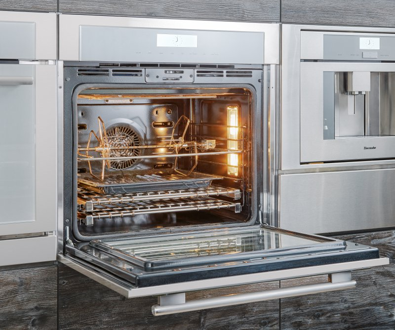 Masterpiece oven with flush installation from Thermador #oven #thermador